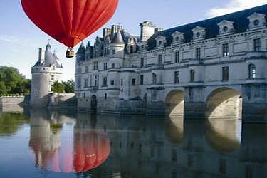 Visite de châteaux en montgolfière