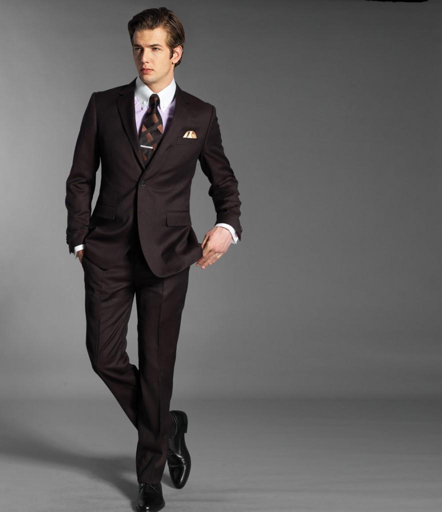 Faut-il préférer un costume de mariage à prix discount ?