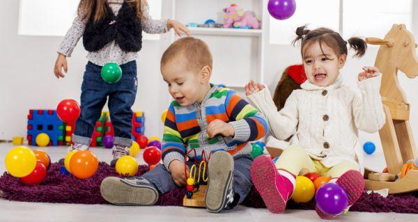 Travailler dans le milieu familial avec un CAP petite enfance