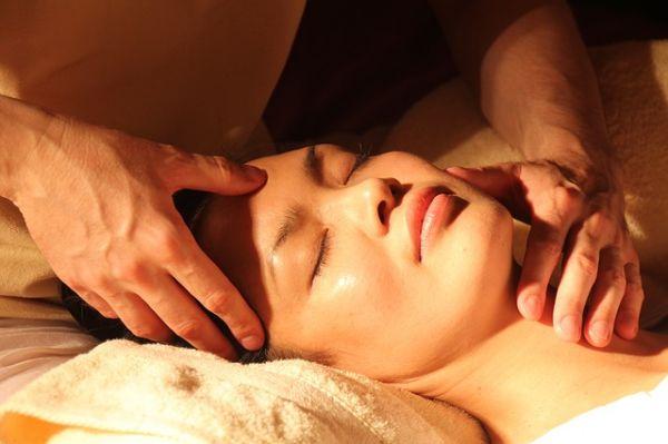 Initiez-vous aux massages, que des bienfaits pour votre couple